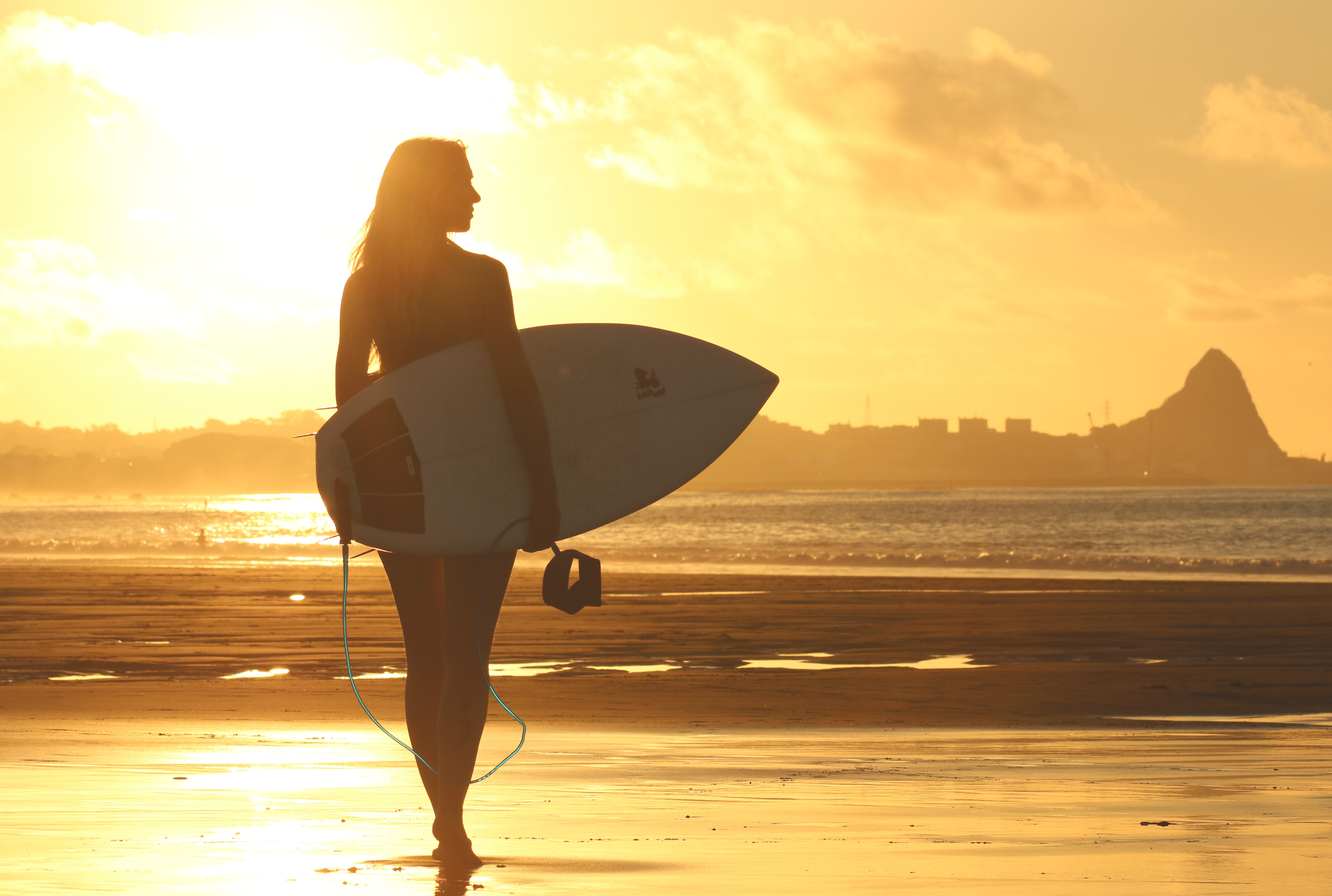 Z czym kojarzy Ci się surfing? Top 10 kina surfingowego - Manufaktura Marzeń