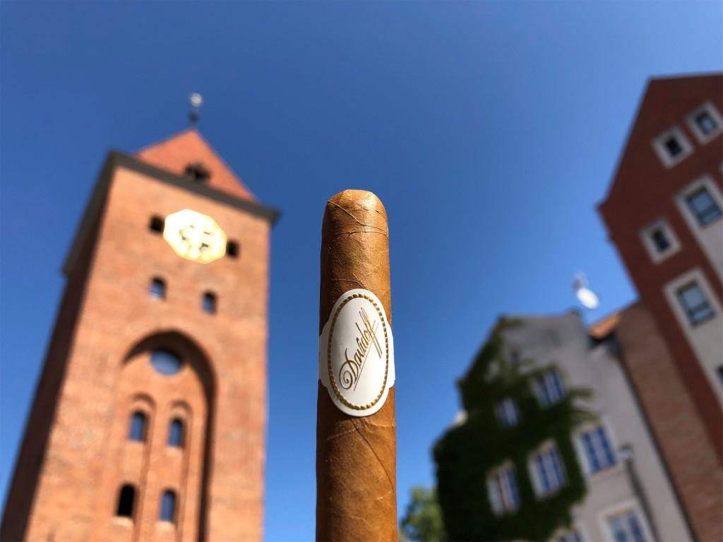 Cygaro Davidoff no. 2 można zamówić w sklepie internetowym Cigarro.pl