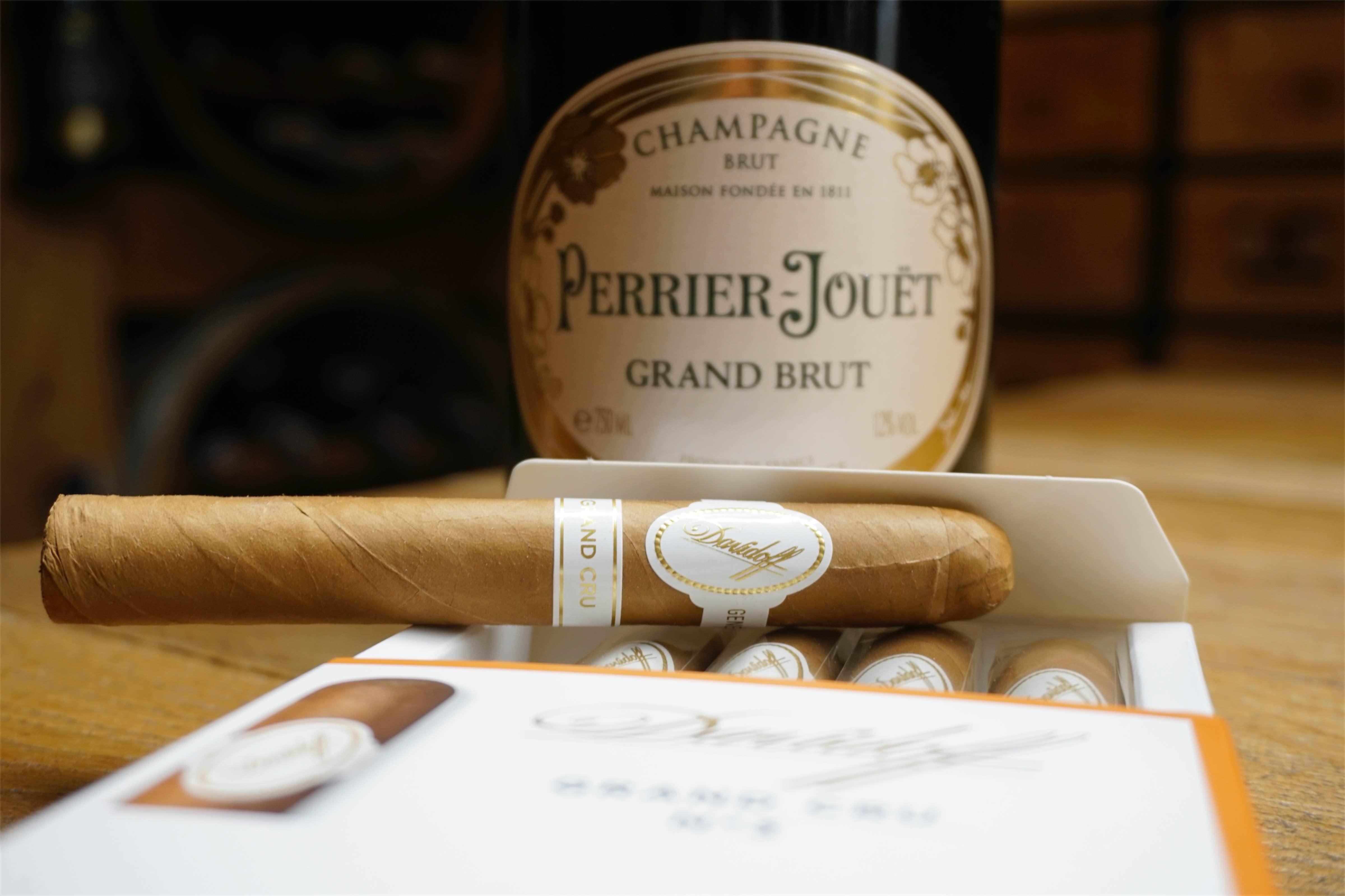 Cygaro i szampan